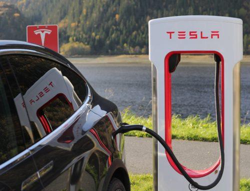 eAutos an Tesla-Ladesäulen gratis aufladen